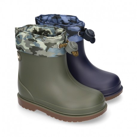 Little DINOSAURS Rain boots with adjustable neck for little kids.