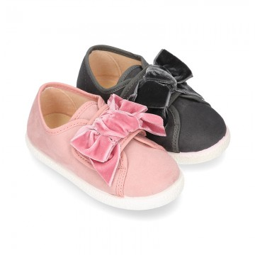 New Autumn-winter canvas FASHION tennis shoes with velcro closure and VELVET BOW design.