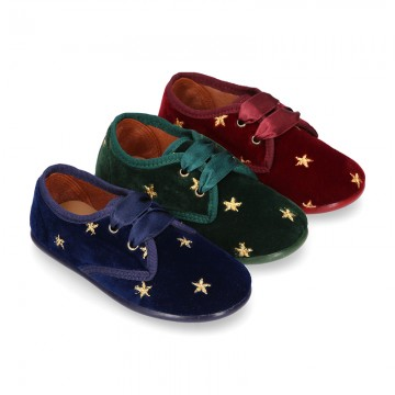 Velvet canvas Little laces up shoes with embroidery STARS design.