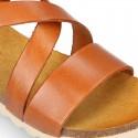 Sandalia Niña Mayor en piel vaquetilla suave y suela blanca.