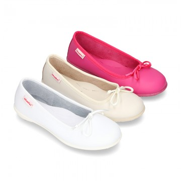 Washable Nappa leather Ballet shoes with adjustable ribbon for girls.