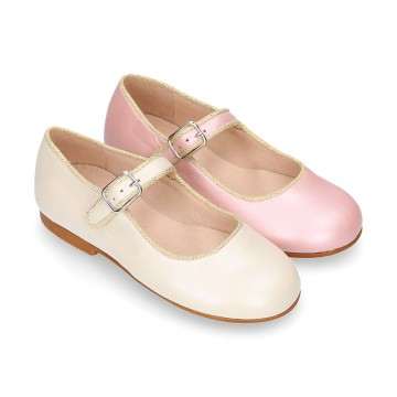New little OKAA Mary Jane shoes with shoemaker ribbon in PEARL NAPPA leather.