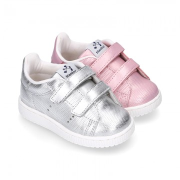 Casual Girl tennis shoes laceless in metal nappa leather.