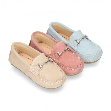 New suede leather Moccasin shoes with stirrup for little kids.