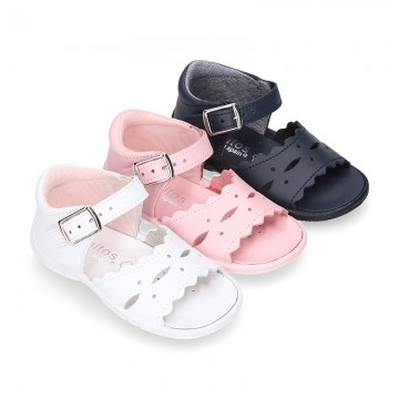 Washable leather sandals for little girls with waves design and SUPER FLEXIBLE soles.