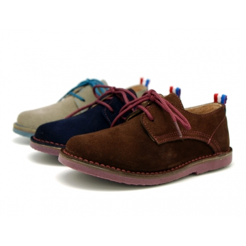 Suede leather Laces up oxford shoes with stitching, outsole and laces in contrast.