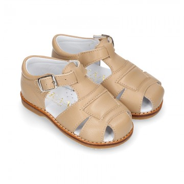 Soft Nappa leather kids Sandal shoes with buckle fastening.