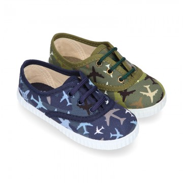 Cotton canvas sneaker shoes with AIRPLANES print design.