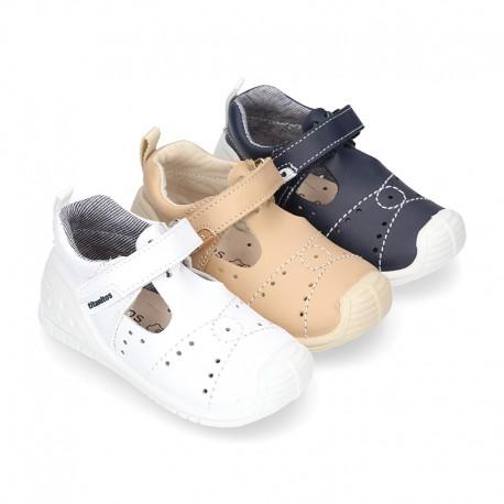 Pepito Niño GATEO tipo sandalia cierre adherente, puntera y talonera en piel lavable.