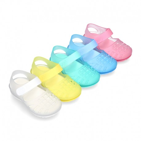 RETRO style kids jelly shoes with hook and loop strap for Beach and Pool.