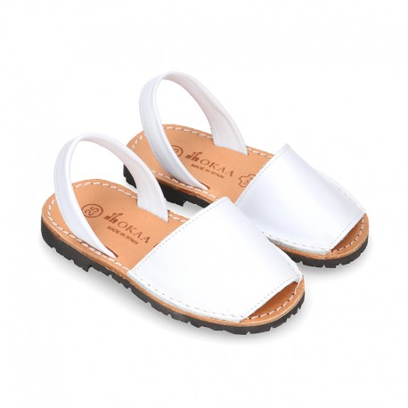 Classic kids Menorquina sandals with rear strap in white SOFT Nappa leather.