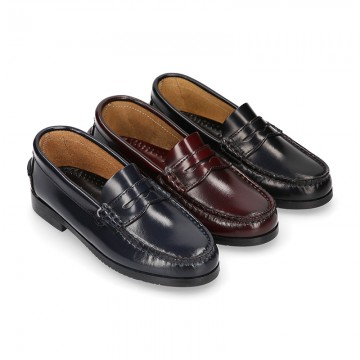 SCHOOL kids Moccasin shoes with detail mask in Antik leather.