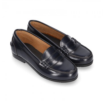 Classic school GIRL Moccasin shoes in Antik leather.