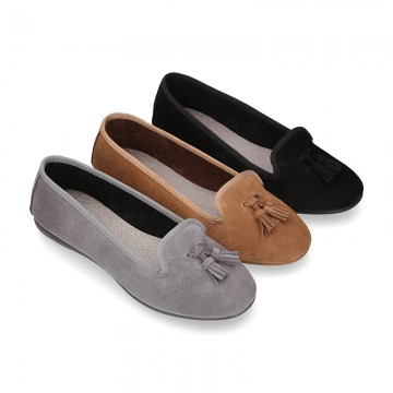 Ballet flat shoes with TASSELS in suede leather.