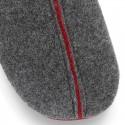 Zapatilla casa niños caballero OKAA tipo zueco en lana con vivos.