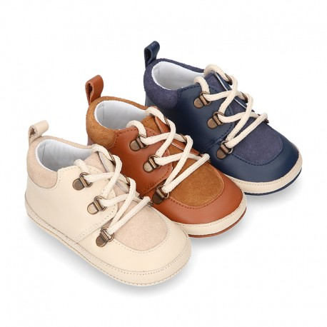 MOUNTAIN style combined leather baby little bootie.