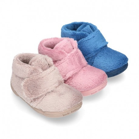 Little kids wool cotton home booties laceless with reinforced toe cap and counter.