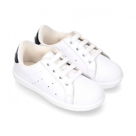 Washable Nappa leather OKAA kids tennis shoes with laces and toe cap.