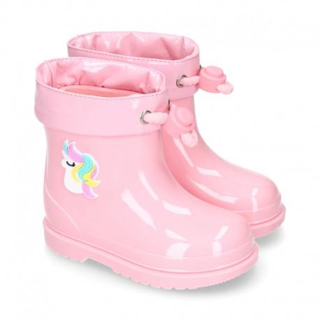 Little UNICORN Rain boots design with adjustable neck for little kids.