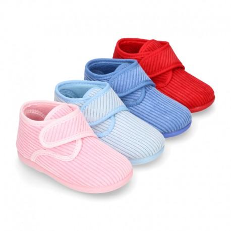 Little kids corduroy home bootie shoes laceless.