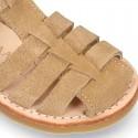 Sandalia niño piel SERRAJE tiras cruzadas con suela super flexible.