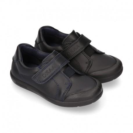 Zapato colegial niño OKAA sin cordones, elástico y puntera reforzada en piel lavable.