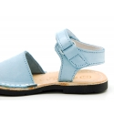 Nubuck leather Menorquina sandals with flexible outsole and velcro strap.