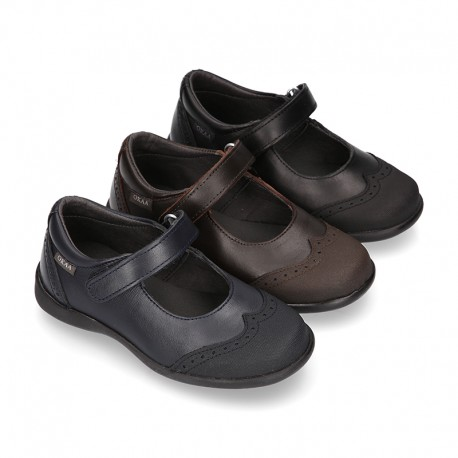 Stylized Mary Jane School shoes with hook and loop strap in PREMIUM leather.