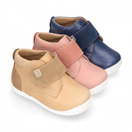 SOFT Nappa leather OKAA FLEX kids Bootie shoes laceless and with toe cap.