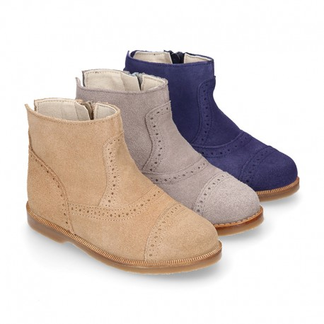 Girl ankle boots with CHOPPED design in suede leather.