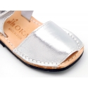 Menorquina Velcro piso Flexible en Piel Metalizada.