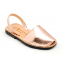 Leather Menorquina sandals with metal finish and rear strap.