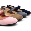 Autumn winter little Mary Jane shoes with velcro strap and button.