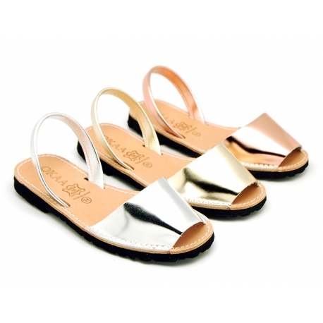 New Metal finish leather Menorquina sandals with mirror effect.